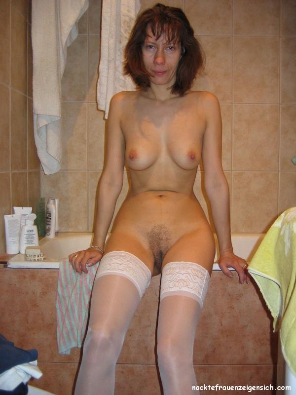 In nackte nylons frauen Alte Frauen