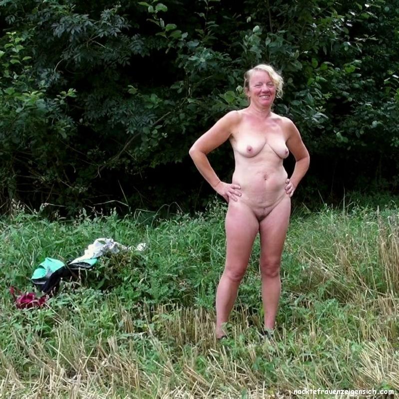 Wald im reife nackt frauen Beste Nackt