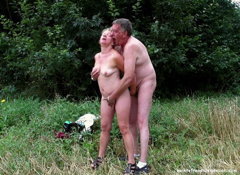 Wald im nackte paare Amateure nackt