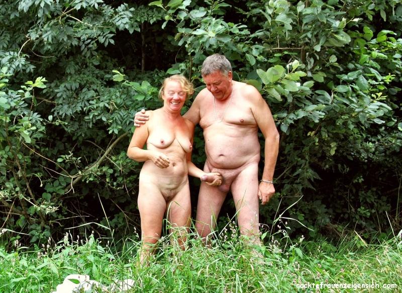 Paare nackt im wald bilder