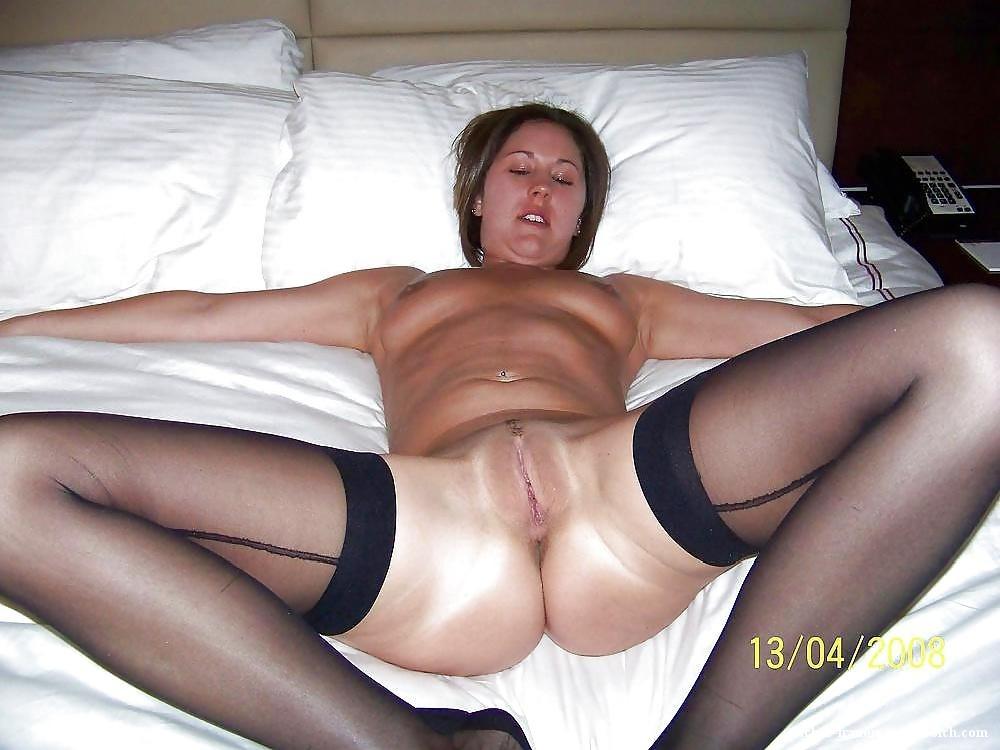 Frauen nackt mit gespreizten beinen
